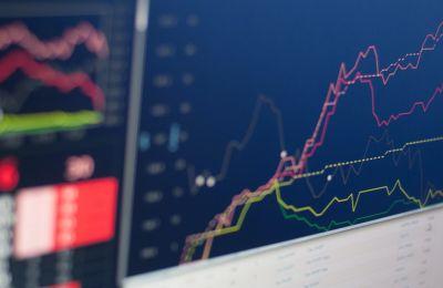 Wall Street: Οι μετοχές που διπλασιάστηκαν από τις αρχές του έτους