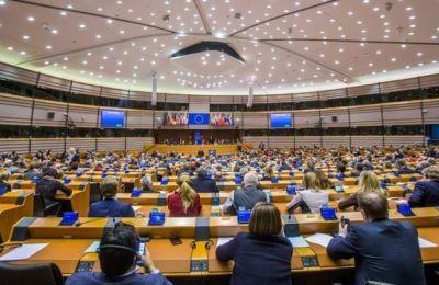 Με την τροπολογία αυτή, η οποία στηρίχθηκε από το Ευρωπαϊκό Λαϊκό Κόμμα, αποδεικνύεται ότι η φωνή των Ελλήνων και Κυπρίων Ευρωβουλευτών του ΕΛΚ είναι ισχυρή.