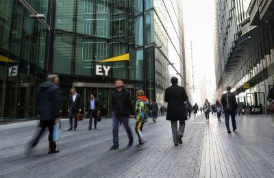 Η Apas ξεκίνησε πέρυσι έρευνα για το έργο της EY στην Wirecard, μετά και αναφορά των FT πως πολλοί σημαντικοί πελάτες της εταιρείας φαινόταν να «μην υπάρχουν».