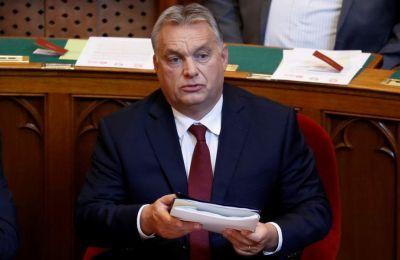 Η στάση των δύο χωρών της Ανατολικής Ευρώπης αναμένεται να καθυστερήσει την εκταμίευση κεφαλαίων αξίας πολλών δισ. ευρώ.