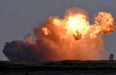 Απτόητος ο δισεκατομμυριούχος δήλωσε στο Twitter μετά την έκρηξη του πυραύλου: «Άρη, σου ερχόμαστε!»