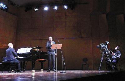 Τηλιακός και Τσανακαλιώτης ερμήνευσαν τραγούδια του Μπετόβεν, του Σούμπερτ και του Σούμαν. Φωτ. Χ. Ακριβιαδης