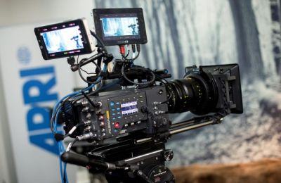 Ο διαγωνισμός είναι ανοιχτός σε όλους τους Σκηνοθέτες που ζουν και εργάζονται στην Κύπρο ακόμη και αν δεν είναι μέλη της ΕΣΚ. Οι φοιτητικές ταινίες δεν είναι επιλέξιμες για συμμετοχή