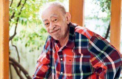 Ο συγγραφέας του «Τάλγκο», του «μ.Χ.» και του «Κλαρινέτου» έζησε ανάμεσα στη Γαλλία και στην Ελλάδα, έγραφε και στις δύο γλώσσες και είχε τιμηθεί με πολυάριθμα βραβεία,(φωτ. ΝΙΚΟΣ ΚΟΚΚΑΛΙΑΣ)
