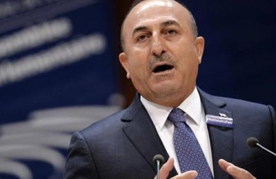 Ο τούρκος ΥΠΕΞ, Μεβλούτ Τσαβούσογλου, στη συνέντευξή του στο περιοδικό Κuresel Medya, κατηγόρησε για άλλη μία φορά την Ελλάδα για κινήσεις στην Α. Μεσόγειο που αύξησαν την ένταση.