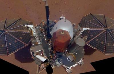 Οι μηχανικοί και επιστήμονες του Γερμανικού Αεροδιαστημικού Κέντρου (DLR), που είχαν φτιάξει το μήκους 40 εκατοστών τρυπάνι για λογαριασμό της NASA
