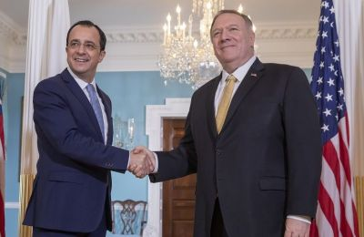 Συζήτησαν επίσης τις εν εξελίξει προσπάθειες για επανέναρξη των διαπραγματεύσεων στο Κυπριακό, την ειρηνευτική δύναμη ΟΥΝΦΙΚΥΠ στην Κύπρο, καθώς και την κατάσταση στην Αν. Μεσόγειο.