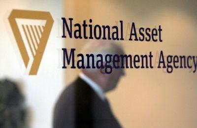 Για τη λειτουργία μίας «bad bank» που θα αποκτήσει παλαιά και καινούργια ΜΕΔ, χρειάζεται ένα βιώσιμο επιχειρηματικό πλάνο και ένας τουλάχιστον επενδυτής που θα πρέπει να βάλει το απαιτούμενο κεφάλαιο.