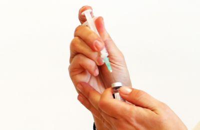 Καμιά παρενέργεια μέχρι σήμερα από τους εμβολιασμούς στην Κύπρο
