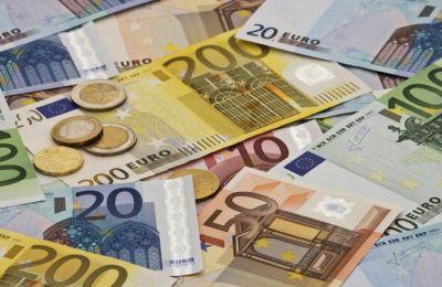 Αυστηρότερα τα κριτήρια χορήγησης δανείων - Αυξημένη η ζήτηση