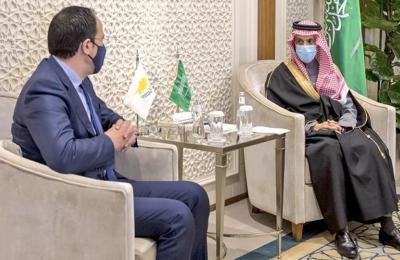 Ο ΥΠΕΞ, Νίκος Χριστοδουλίδης κατά τη διάρκεια των επαφών του Χριστοδουλίδης στο Ριάντ, της Σαουδικής Αραβίας, όπου συζήτησε τις διμερείς και περιφερειακές εξελίξεις με ανώτερους αξιωματούχους.
