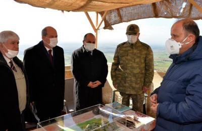 Ο Τουρκοκύπριος ηγέτης Ερσίν Τατάρ επέβλεψε τις εργασίες του «συνδέσμου φωτισμού σημαίας Πενταδακτύλου», οι οποίες χορηγούνται από την Intergaz.