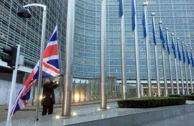 Το ζήτημα αναμένεται να συζητηθεί από τους υπουργούς Εξωτερικών της Ε.Ε. την επόμενη Δευτέρα, 25 Ιανουαρίου, όταν θα συναντηθούν για πρώτη φορά μετά την λήξη της μεταβατικής περιόδου μετά το Brexit.