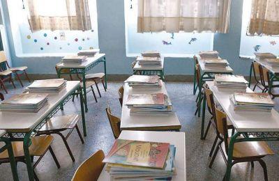 Το ενδεχόμενο επιστροφής των μαθητών στις σχολικές αίθουσες προκαλεί «πονοκέφαλο» στους ειδικούς