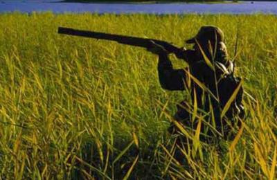 Μέλη της Υπηρεσίας Θήρας εντόπισαν τους δύο άνδρες να κυνηγούν στην περιοχή Παναγιάς.