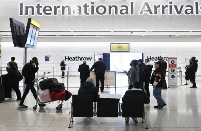 Καραντίνα σε ξενοδοχείο για αφίξεις από 30 χώρες επιβάλλει η Βρετανία