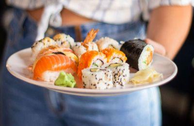 Sushi στo Σπίτι: 13 νόστιμες επιλογές που δεν πρέπει να χάσεις