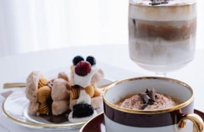 10+2 επιλογές για καφέ και γλυκό στο σπίτι