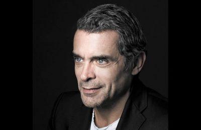 Ο Κωνσταντίνος Μαρκουλάκης, με πορεία τριάντα ετών σε θέατρο, κινηματογράφο και τηλεόραση, μιλάει για την ταινία του Κύπριου Σταύρου Παμπαλλή, στην οποία πρωταγωνιστεί (φωτ. ΔΗΜΗΤΡΗΣ ΒΛΑΪΚΟΣ)