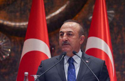 Η Τουρκία και η Αρμενία έχουν τεταμένες σχέσεις, κυρίως λόγω της άρνησης της Άγκυρας να αναγνωρίσει την γενοκτονία των Αρμενίων από την Οθωμανική Αυτοκρατορία κατά τη διάρκεια του Πρώτου Παγκοσμίου Πο
