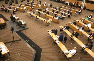 Ένταση στη Βουλή αναφορικά με πρόταση του ΔΗΚΟ για Κυπριακό