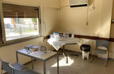 Αίθουσα του εμβολιαστικού κέντρου