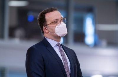 Ο  επικεφαλής του Ινστιτούτου «Ρόμπερτ Κοχ» Λόταρ Βίλερ αναφέρθηκε στο παράδειγμα του πιστοποιητικού που υπάρχει ήδη για το εμβόλιο κατά του κίτρινου πυρετού.
