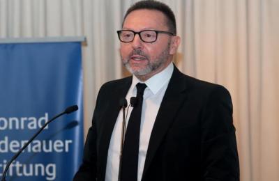O Διοικητής της Τράπεζας της Ελλάδας, Γ. Στουρνάρας, γίνεται το πρώτο μέλος του Συμβουλίου της ΕΚΤ που ζητά την αύξηση των αγορών, μέσω του έκτακτου προγράμματος αγορών πανδημίας (PEPP)
