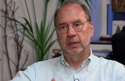Πίτερ Πιότ αποκλειστικά στην «Κ»: Μονόδρομος το πιστοποιητικό εμβολιασμού