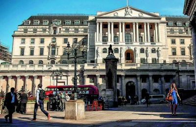 Οι διεθνείς εταιρείες χρηματοπιστωτικών υπηρεσιών έχουν μεταφέρει περιουσιακά στοιχεία αξίας 1,6 τρισ. δολαρίων και 7.500 θέσεις εργασίας από το Λονδίνο σε άλλες μητροπόλεις της Ε.Ε.