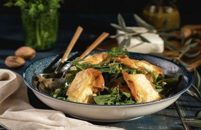 Υπέροχη, χειμερινή σαλάτα, θρεπτική με πλούσιο dressing!