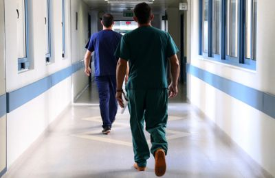 302 νέα κρούσματα - Νοσηλεύονται 76 ασθενείς