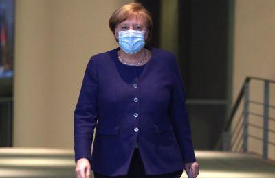 Η Μέρκελ απορρίπτει τον δημόσιο εμβολιασμό της με το εμβόλιο της Astrazeneca