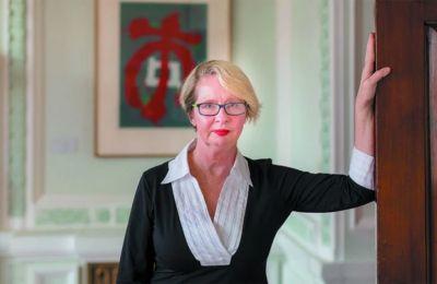 Η Τζοάνα Μπερκ είναι καθηγήτρια Ιστορίας στο Πανεπιστήμιο Μπίρμπεκ του Λονδίνου