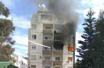 Από τη πυρκαγιά όλο το διαμέρισμα υπέστη εκτεταμένες ζημιές.