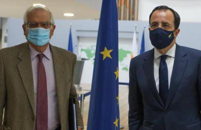 Ο Ύπατος Εκπρόσωπος της ΕΕ για την εξωτερική πολιτική Ζοζέπ Μπορέλ με τον Υπ. Εξωτερικών, Νίκο Χριστοδουλίδη.