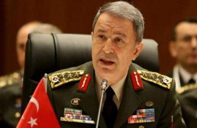 Στις εξελίξεις με την Αίγυπτο αναφέρθηκε ο υπουργός Άμυνας της Τουρκίας Χουλουσί Ακάρ.