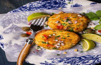 Νόστιμοι και ελαφροί ψαροκεφτέδες μιας και ψήνονται στον φούρνο. Φτιάχνονται με φιλέτο ψαριού και πουρέ πατάτας και είναι πολύ νόστιμοι.