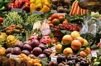 Εάν δεν επιθυμείτε να φάτε σαλάτα για το βράδυ, μπορείτε να φτιάξετε μια σούπα από λαχανικά, που να περιέχει σέλινο, καρότα και διάφορα χόρτα