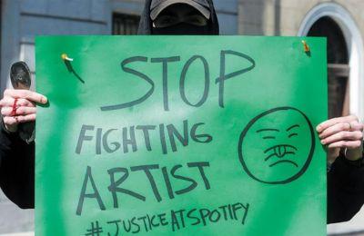 Οι φωνές διαμαρτυρίες που την περασμένη χρονιά στράφηκαν κατά της πολιτικής απόδοσης πνευματικών δικαιωμάτων που χρησιμοποιεί το Spotify ήταν αρκετές