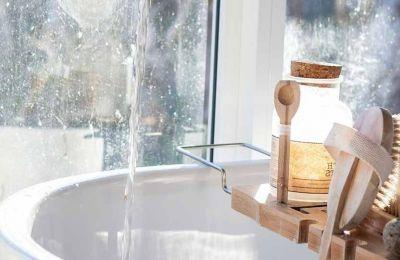 Μια εύκολη συνταγή για να φτιάξετε το σπιτικό scrub για το σώμα αλλά και για το πρόσωπο με υλικά που έχετε ήδη στην κουζίνα σας
