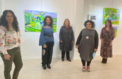 Οι πέντε καλλιτέχνιδες Χαρά Ευσταθίου, Ανθή Χαραλάμπους, Μαρία Κουδουνά, Δέσποινα Χρίστου και Χρυσή Κούμνα