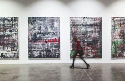 Τα έργα αυτά ήταν μέρος μεγάλης αναδρομικής του Γκέρχαρντ Ρίχτερ που φιλοξένησε το Metropolitan Museum της Νέας Υόρκης με τίτλο «Στο κάτω κάτω, ζωγραφική»