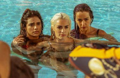 Tρεις ιερόδουλες είναι οι ηρωίδες της καταιγιστικής σειράς του Netflix «Sky Rojo»