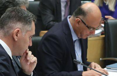 Ο Νικόλας Παπαδόπουλος αντιμετωπίζει τον κίνδυνο να χάσει τον ρόλο του ρυθμιστή και διεκδικεί ως ύστατη προσπάθεια την προεδρία της Βουλής.