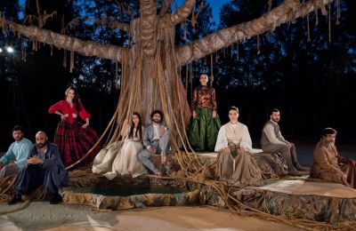 Η παράσταση θα κάνει πρεμιέρα στις 24 Ιουνίου 2021 στη Λευκωσία και θα περιοδεύσει στην Κύπρο, ενώ θα συμμετάσχει στο Φεστιβάλ Αθηνών και Επιδαύρου στις 23 και 24 Ιουλίου 2021