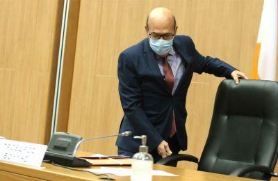Η Εζεκία Παπαϊωάννου έχει να αντιμετωπίσει τις προεκτάσεις της δεδηλωμένης ετοιμότητας του Α.Αδάμου να υπουργοποιηθεί στην κυβέρνηση Αναστασιάδη.