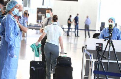 Για περιορισμό της διασποράς των δυο μεταλλάξεων του ιού, τα μέτρα που λήφθηκαν επικεντρώνονται προς τα δυο αεροδρόμια σε μια προσπάθεια εντοπισμού νέων κρουσμάτων κατά την άφιξη επιβατών στην Κύπρο.
