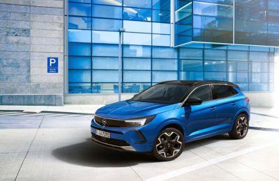 Από το Φθινόπωρο στους δρόμους η νέα γενιά του Opel Grandland