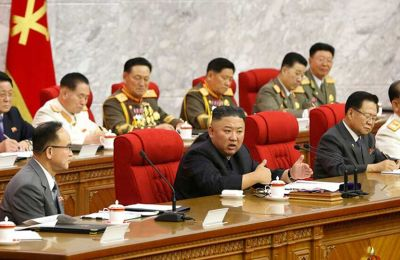 Κιμ Γιονγκ Ουν: Η Β. Κορέα πρέπει να προετοιμαστεί τόσο για διάλογο όσο και για σύγκρουση με τις ΗΠΑ